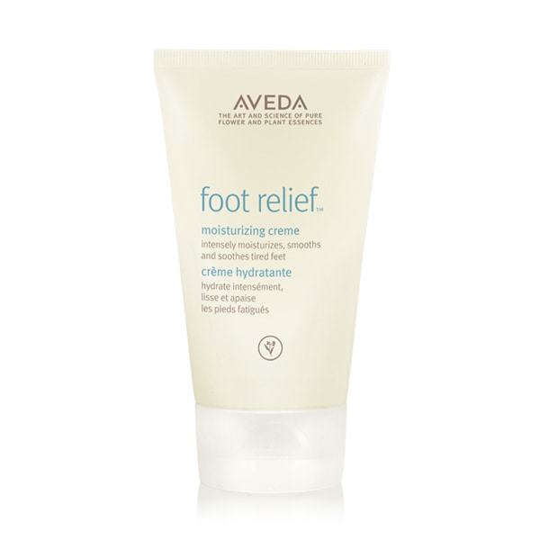 intensely moisturizes, softens and smooths dry feet